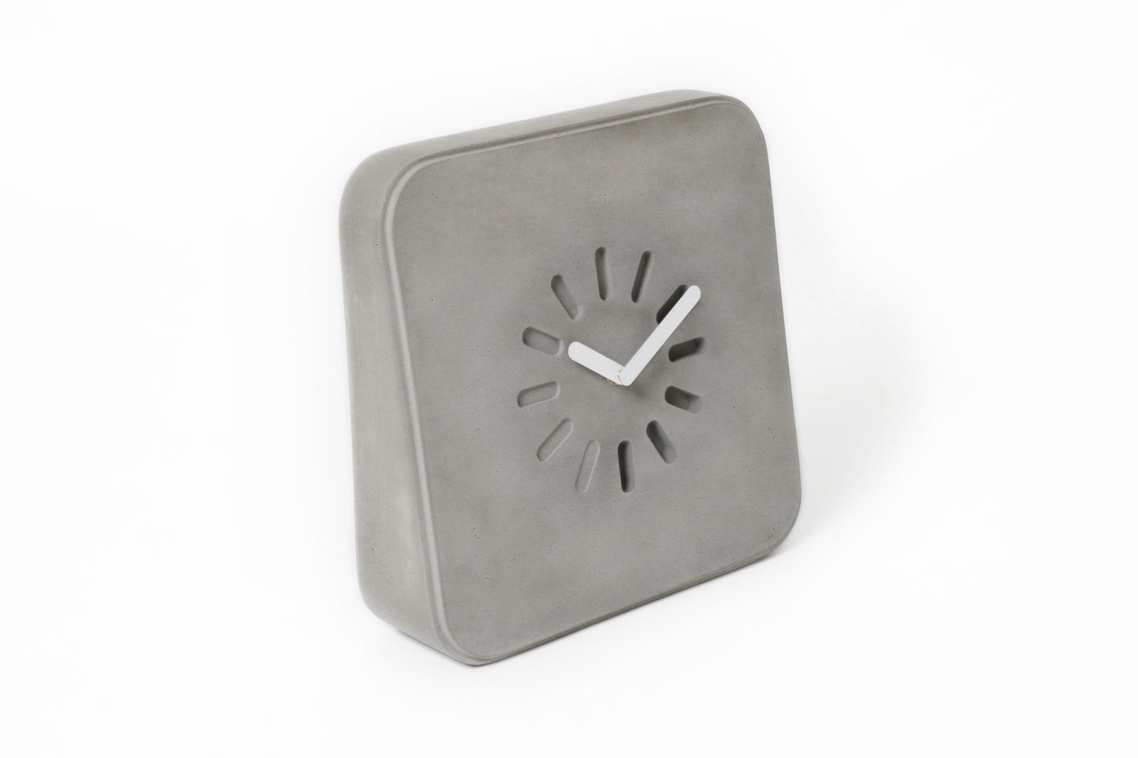 Styling ID Blog: Betonnen design, Life in Progress klok gespot op La Boutique Blanche