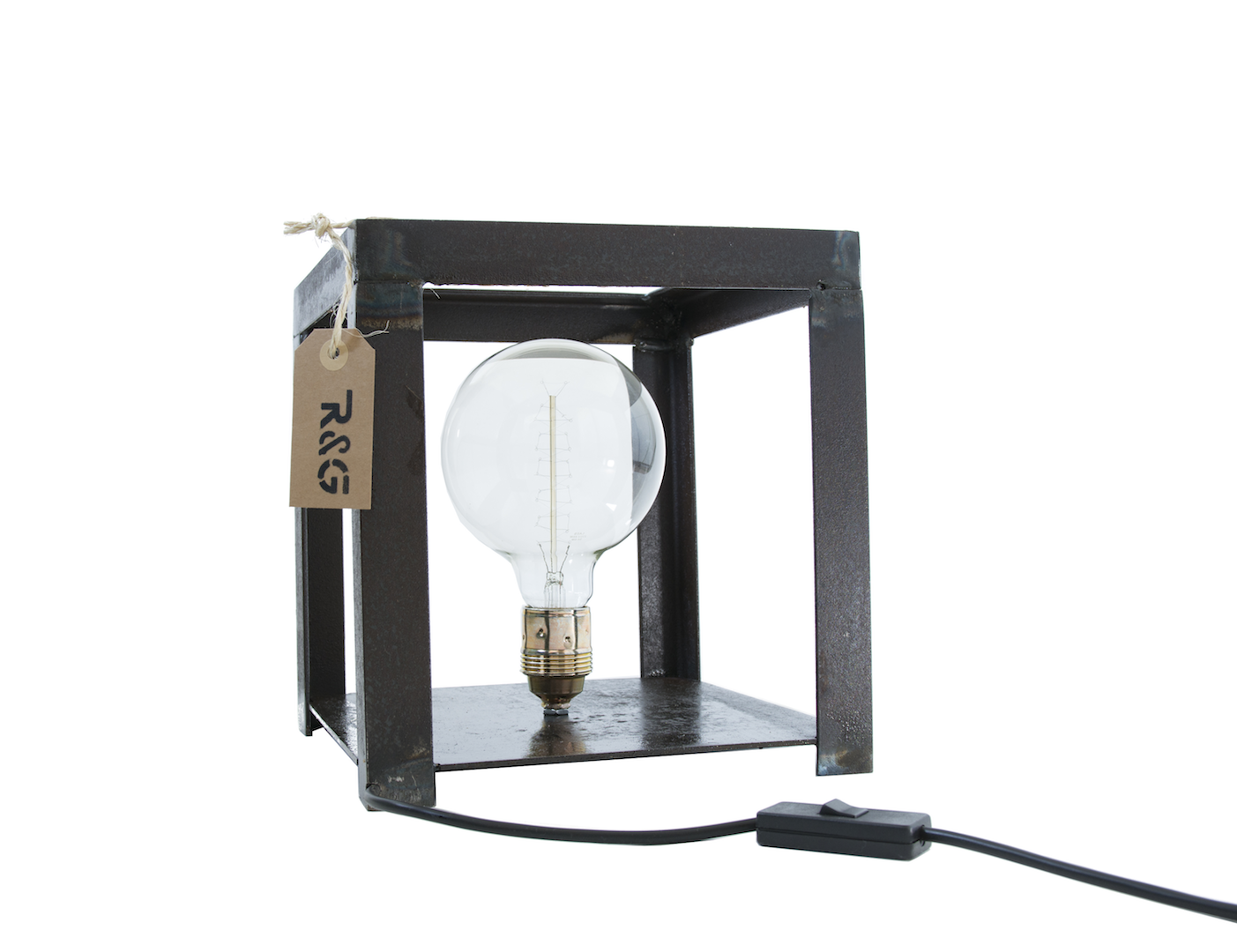 Styling ID Blog Passie voor stoere verlichting met een verhaal Ruig&Geroest tafellamp-kubus