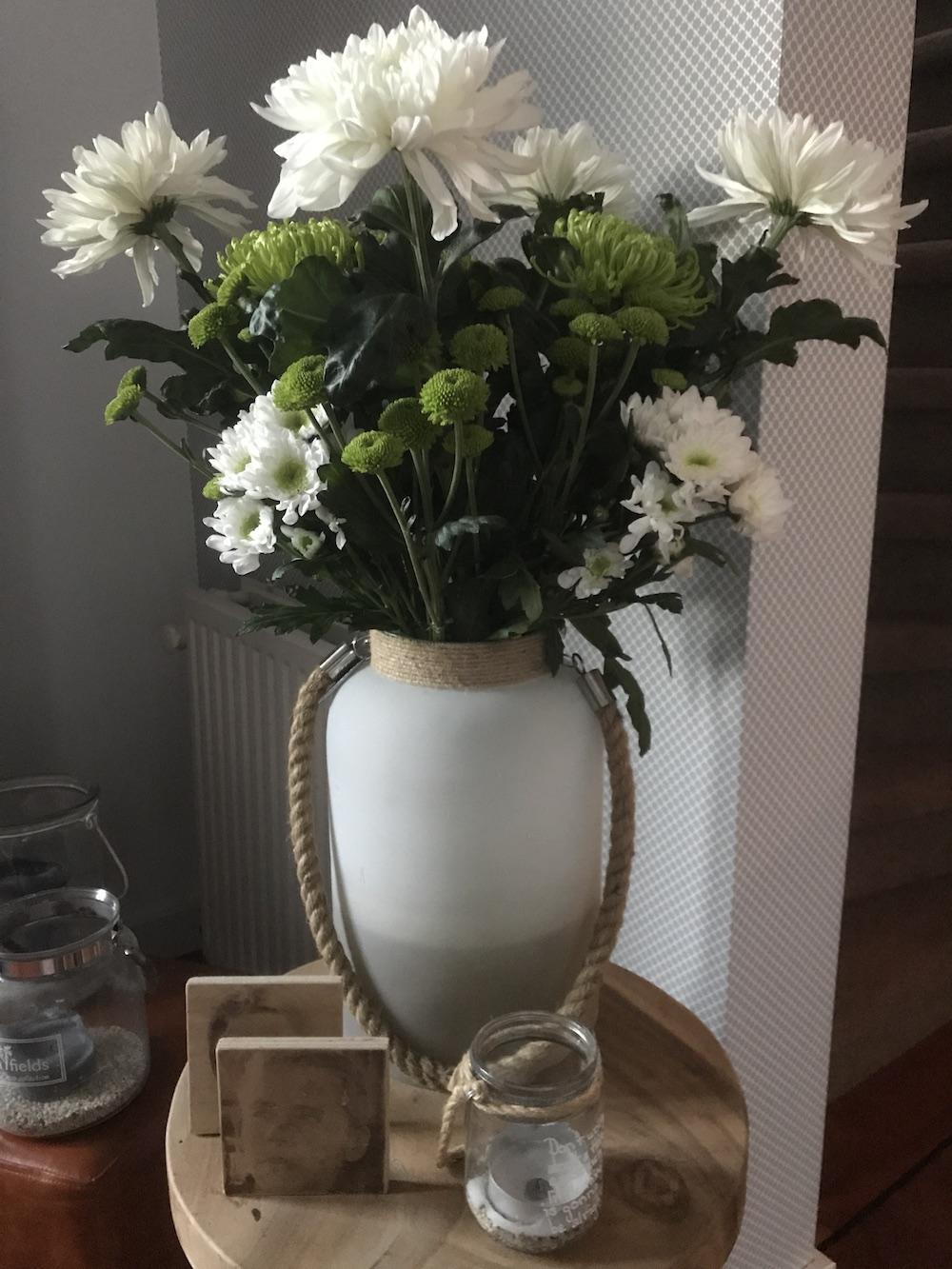 Styling ID Blog Uitbundig gestylde bloemen maken je vrolijk voorbeelden eigen boeket 3