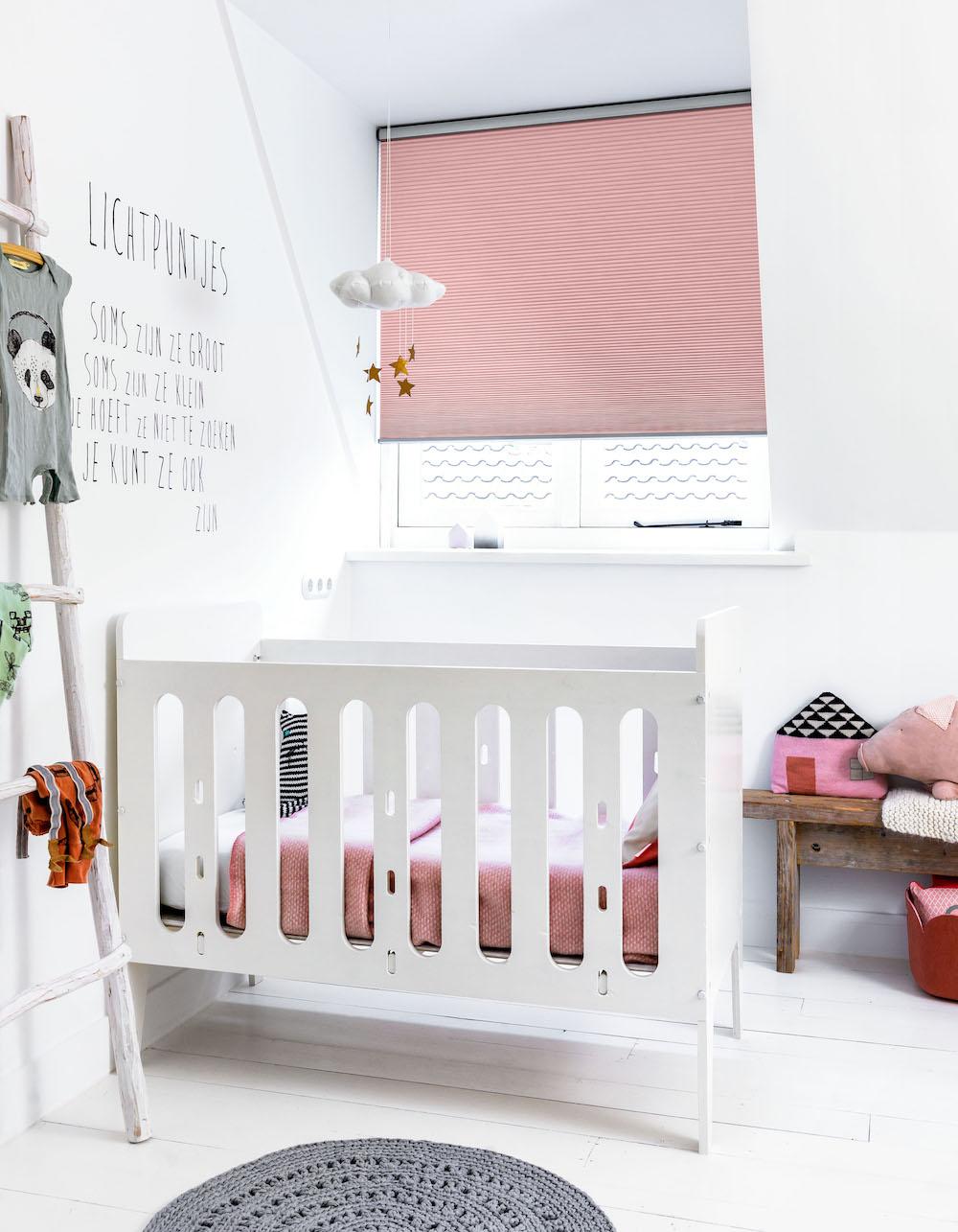 Styling ID Tips&Trends Verduisterende raamdecoratie voor een goede nachtrust dupli roze