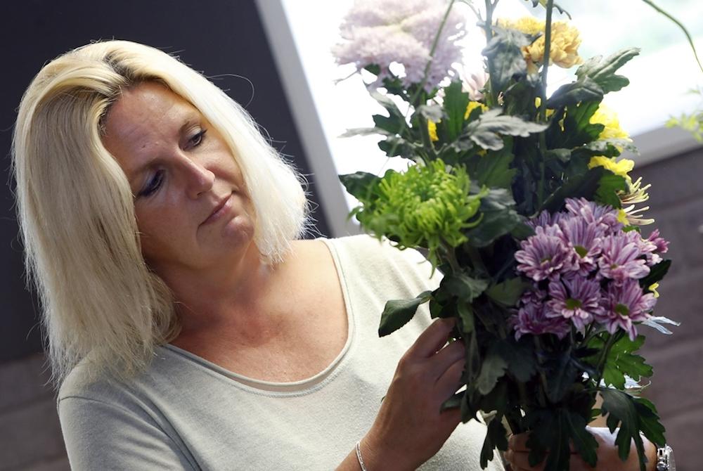Styling ID Blog Uitbundig gestylde bloemen maken je vrolijk zelf bloemschikken