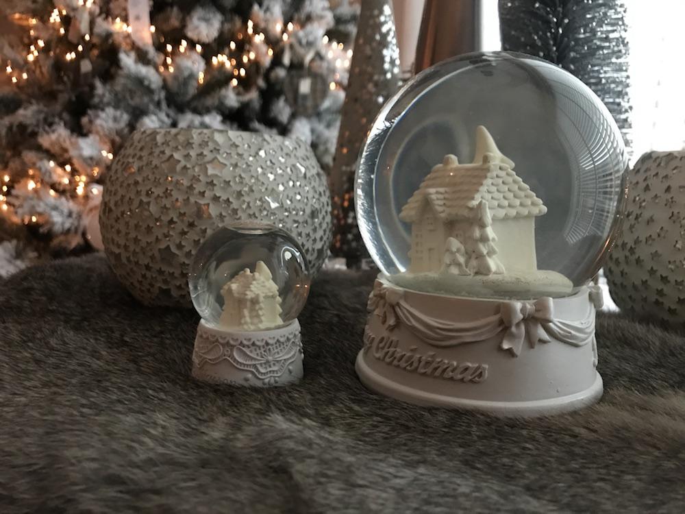 Styling ID Blog Zo vier je kerst in de Rivièra Maison stijl Schudbollen