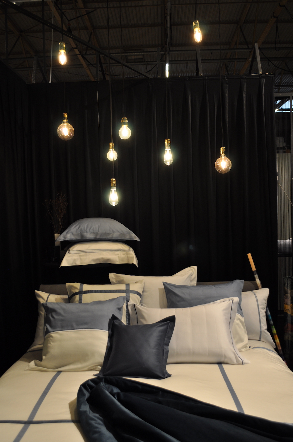 Styling ID Blog Intirio Gent presenteert Intimacy Interior Trends Lysdrap blauw