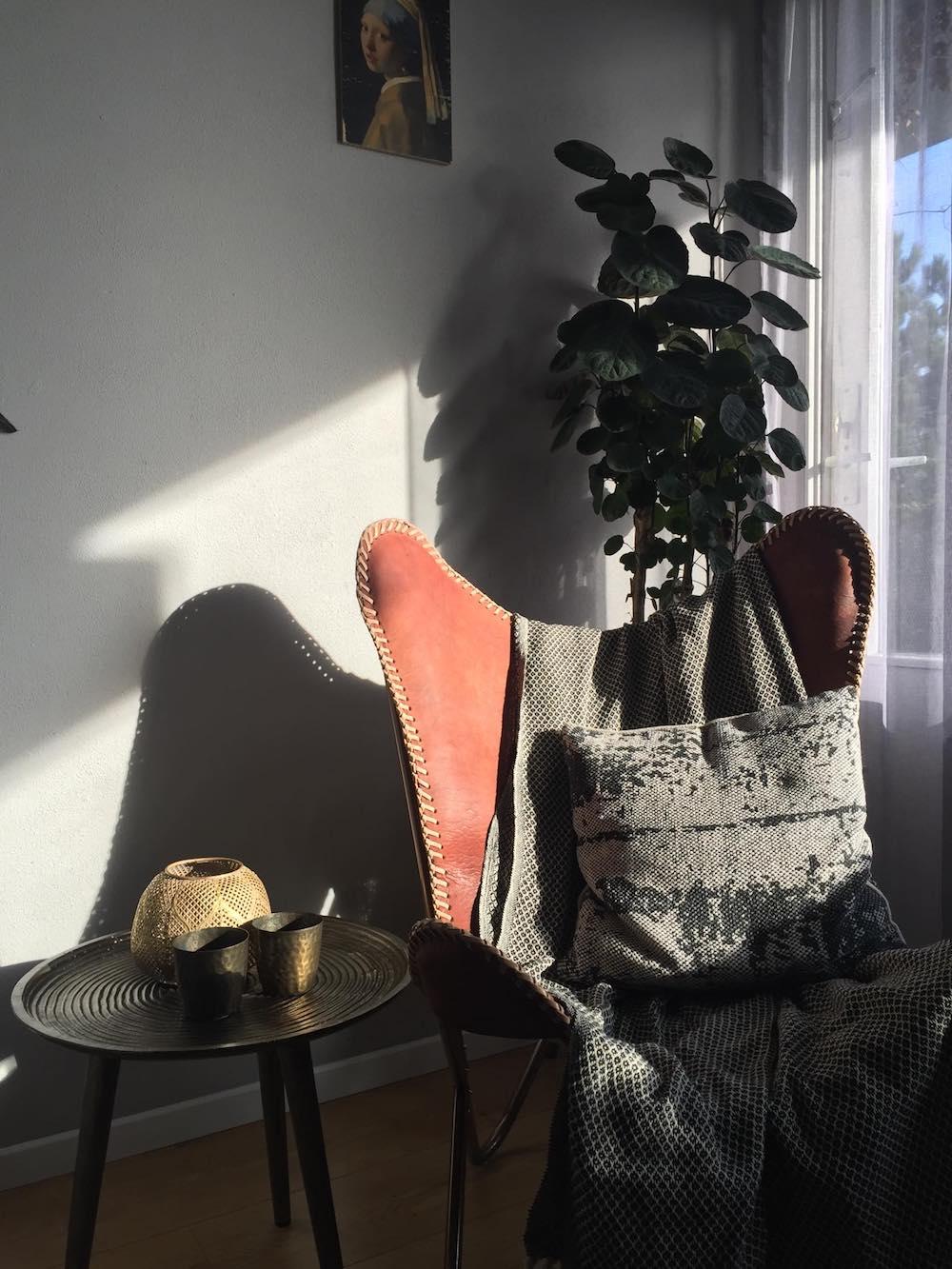 Styling ID Gastblog Als iets niet mooi is in je interieur, maak er dan een eyecatcher van Vlinderstoel fonQ