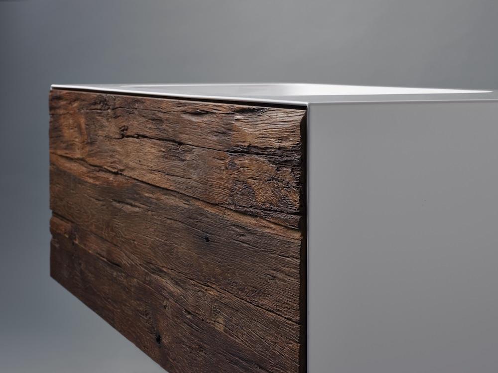 Styling ID Tips & Trends Stoer wastafelmeubel uitgevoerd in staal en robuust oud hout 2
