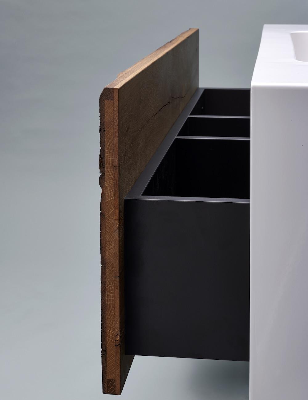 Styling ID Tips & Trends Stoer wastafelmeubel uitgevoerd in staal en robuust oud hout 4