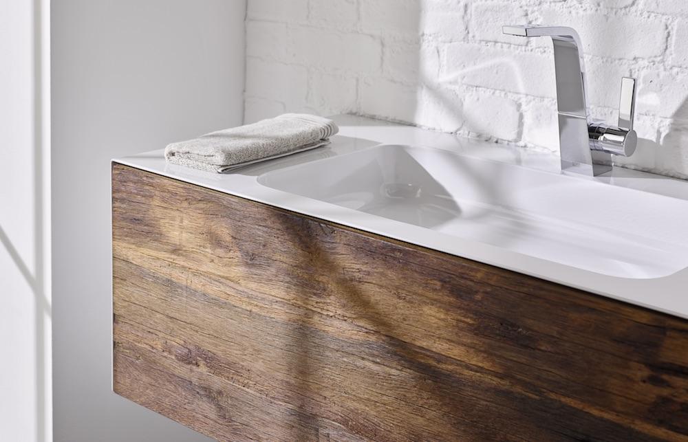 Styling ID Tips & Trends Stoer wastafelmeubel uitgevoerd in staal en robuust oud hout 5