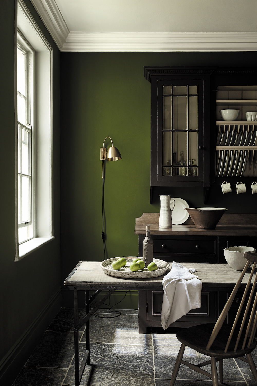 Styling ID Tips en Trends Fijne groentinten passend bij hedendaags interieur design--Little Greene_Green_7 - Jewel Beetle 303, Chocolate Colour 124 & Pique 299_EMAIL