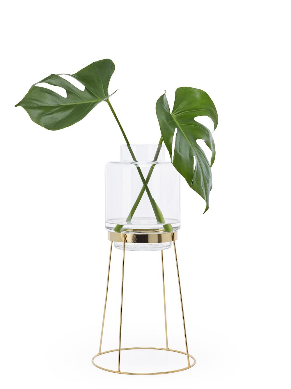 Styling ID Tips en Trends Plaats je bloemen op een voetstuk monday vase 3