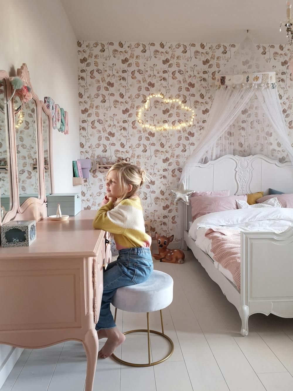 Styling-ID-Tips-en-Trends-Romantische-waterverf-prints-behang-bloom-nude