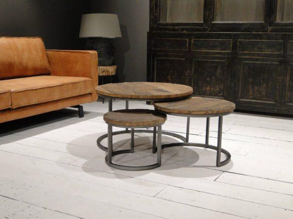 Styling ID Tips en Trends Wel of geen salontafel? Ronde-salontafel-Monterado-77x77x47cm-set-van-3-oud-hout-30-600x450