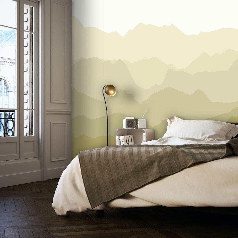 Styling-ID-Tips-en-Trends-Voor-Daring-Walls-is-geen-berg-te-hoog-behang-quiet-mountains-mustard